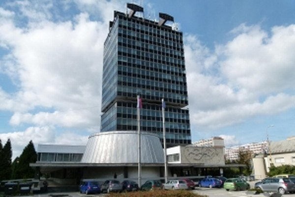 V Považskej Bystrici je jeho sídlom doterajšia budova obvodného úradu.