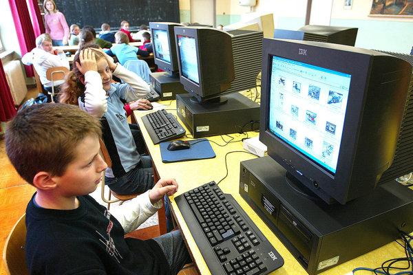 Mnohé školy žiadali peniaze aj na obnovu vybavenia počítačových učební.