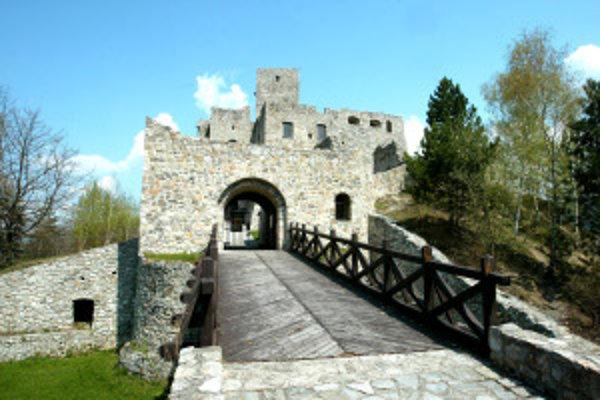V rámci celoeurópskej akcie Noc múzeí a galérií dnes môžete navštíviť hrad Strečno i neskoro večer.