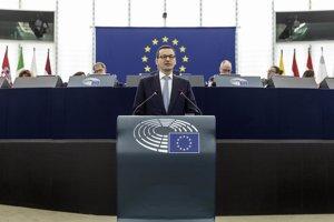 Poľský premiér Mateusz Morawiecki v Európskom parlamente.