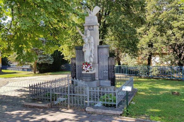 Pamätník obetiam 1. svetovej vojny v obci Klenovec.