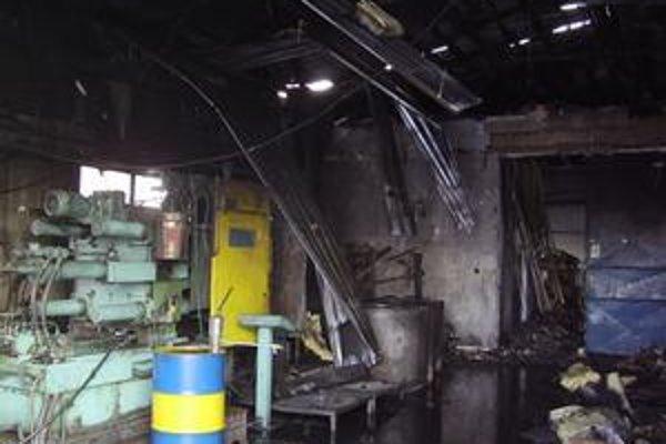 Zhorený interiér haly firmy Geba v Bytči.