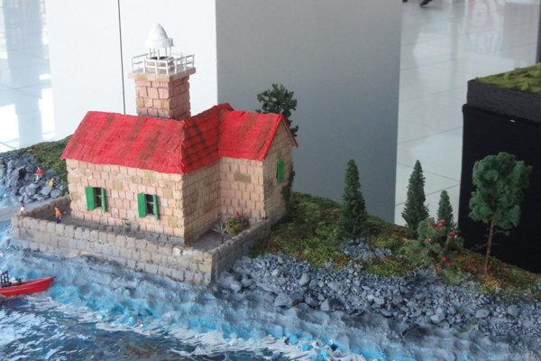 Výstava Lode a majáky potrvá v Mlynoch do 24. júla.
