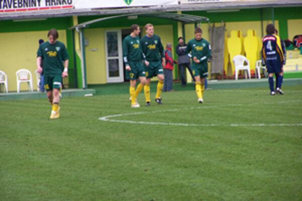 Žilinskí futbalisti vybehnú na prvý ligový zápas jarnej časti ligy kvôli televíznemu prenosu namiesto soboty až v nedeľu.