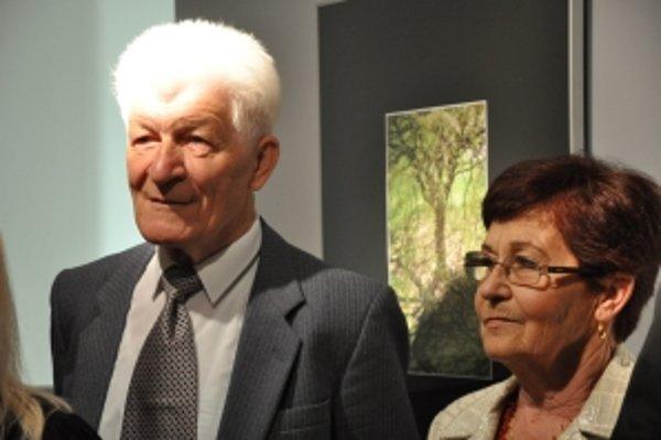 Autor so svojou manželkou, pomocníčkou.