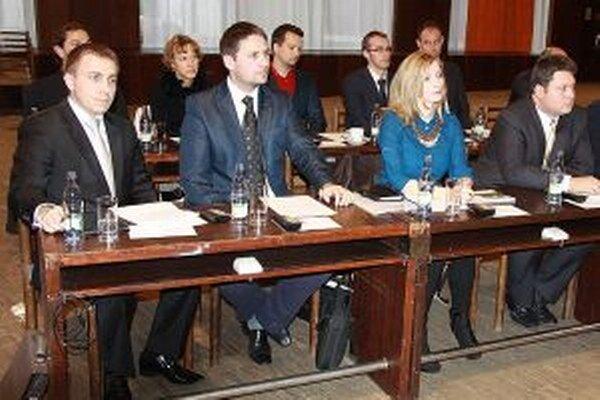 V mestskom zastupiteľstve sa objavilo viacero nových mladých tvárí.