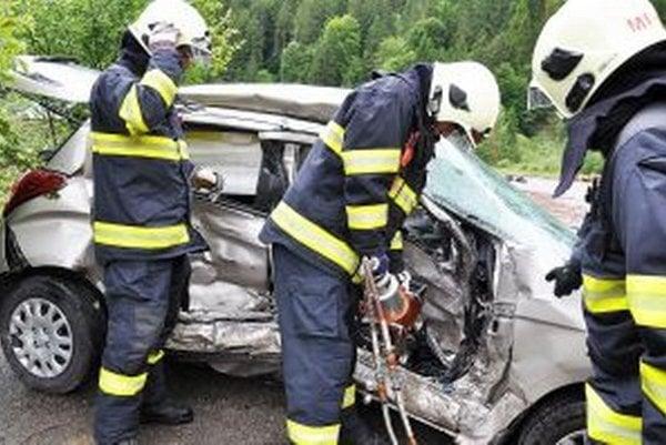 Najčastejšou príčinou výjazdu hasičov sú dopravné nehody.