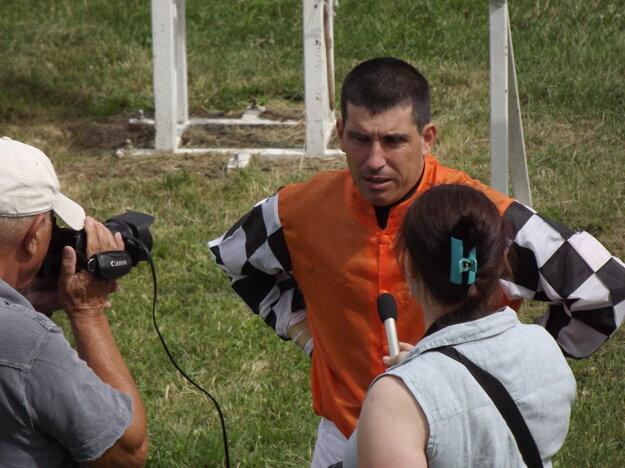 Šťastný Martin Cagáň po svojom víťazstve sKrösusom poskytuje rozhovor pre RTVS.