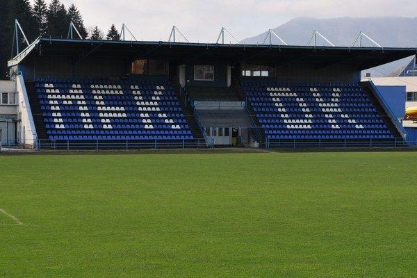 Tribúna dolnokubínskeho futbalového štadióna ostane pravdepodobne prázdna.