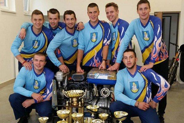 Medzi mužmi sa z víťazstva tešilo družstvo Trstená B.