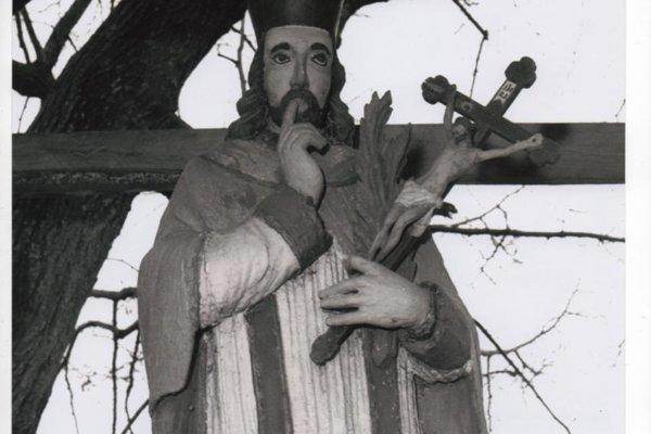 Pôvodná plastika Jána Nepomuckého.