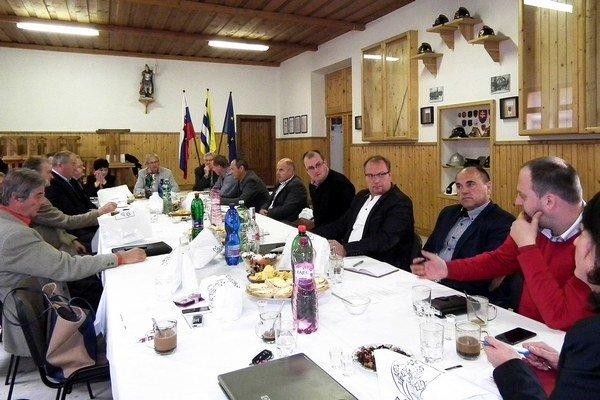 Na októbrovom rokovaní v Suchej Hore starostovia riešili aj zamestnávanie znevýhodnených obyvateľov.