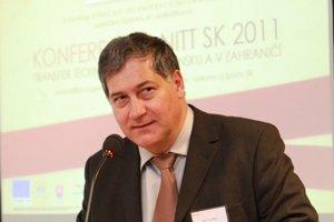 Generálny riaditeľ Centra vedecko-technických informácií Slovenskej republiky a molekulárny biológ Ján Turňa.