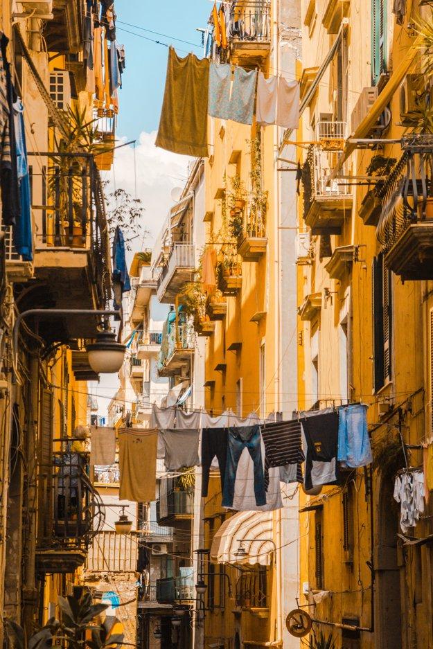 Typické ulice Neapolu