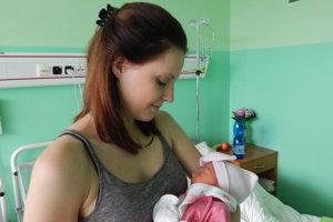 Lena Murčová - Z prvého dieťatka sa tešia rodičia Anna a Matej z Rudiny. Ich dcérka Lena Murčová (3300g, 50cm) prišla na svet v sobotu 14. júla. Meno Lena má grécky pôvod a jeho význam je