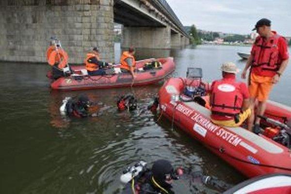 Členovia Orava rescue system, hasiči a polícia hľadali nezvestného Alojza tri dni.