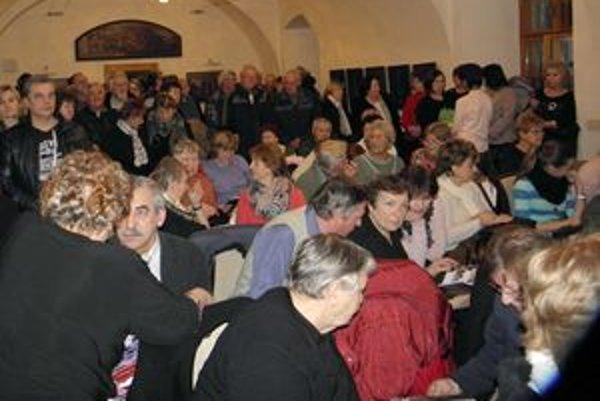 Na krste knihy sa zúčastnili aj obyvatelia zaniknutého Lieskovca.