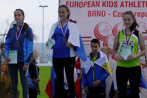Kristína Vodičková (vpravo) sa postavil na bronzový stupienok.