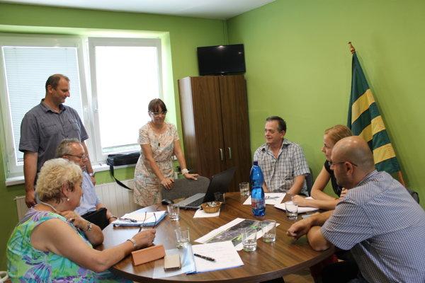 Účastníci stretnutia, ktoré sa uskutočnilo v Radoli.