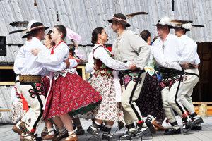 Jubilujúcemu Folklórnemu súboru Skorušina bude patriť amfitáter na Brestovej vsobotu večer.