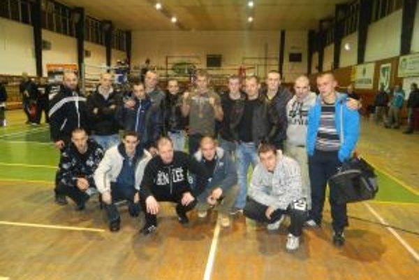 Spoločné foto boxerov z Považia.