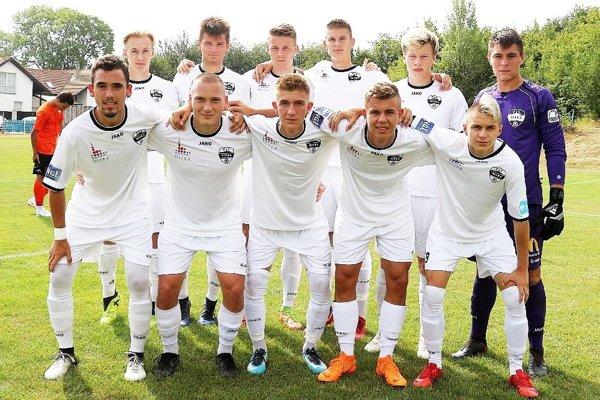 V tejto základnej zostave nastúpili dorastenci FC Nitra na posledný zápas proti súperom z Bukurešti.