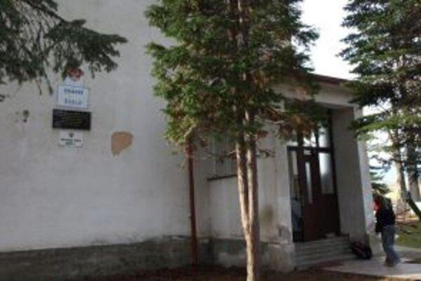 Materská škola pri kostole.