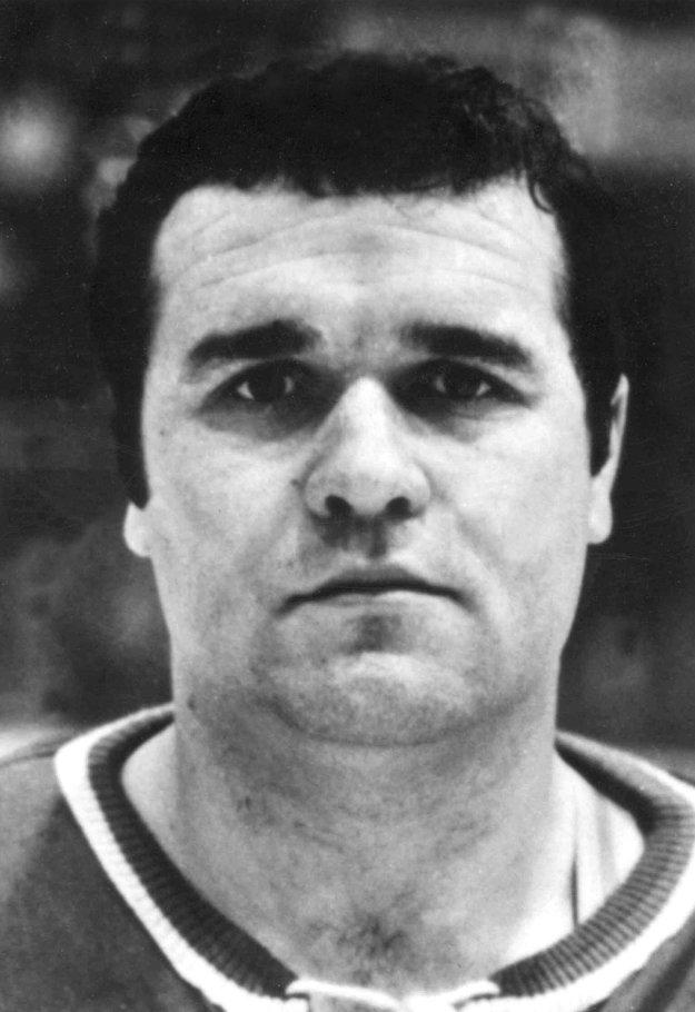 Hokejový brankár Vladimír Dzurilla pred Majstrovstvami sveta 1969 v Štokholme.