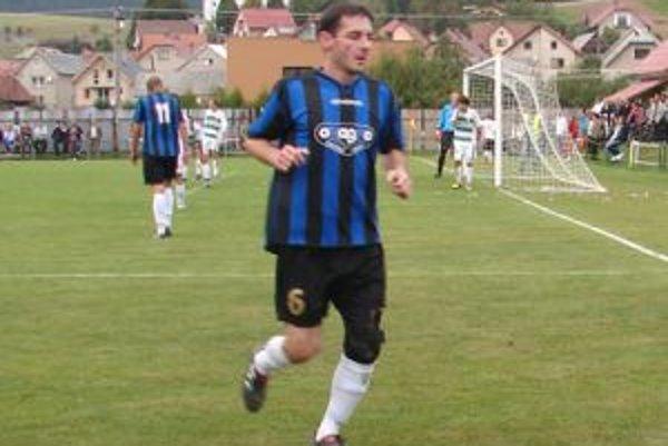 Bývalý slovenský reprezentant v drese Oravského Veselého.