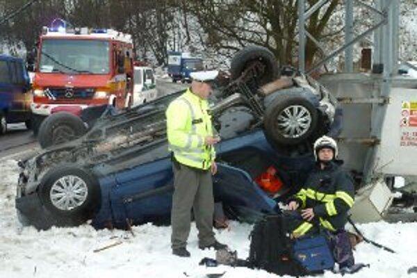 Vodička mala šťastie, že ju nezasiahlo vysoké napätie.