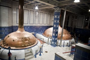 V historickom pivovare Tyskie sú aj takého ikonické varne piva.