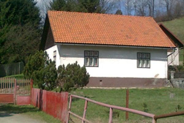 Dom v Medzihradnom. Jedna z nehnuteľností, ktorú chce mesto predať.