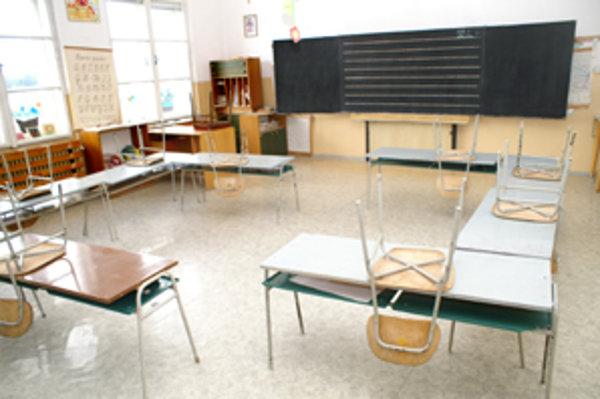 Prejavy rasizmu neobchádzajú už ani oravské základné školy.