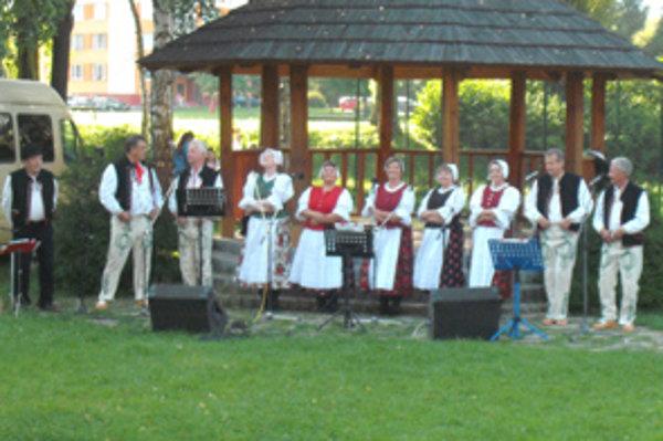 Dolnokubínski folkloristi.