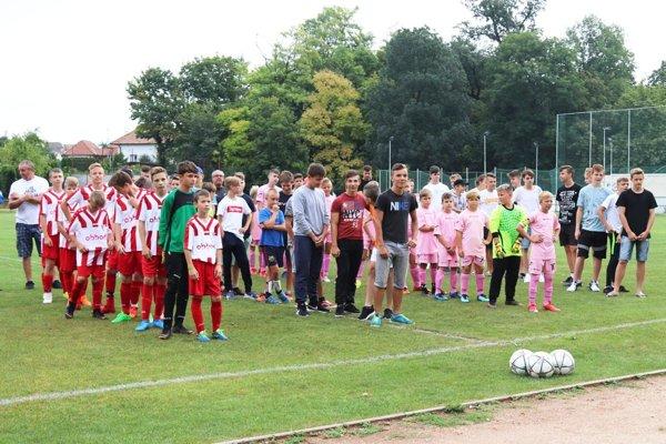 Účastníci turnaja starších žiakov.