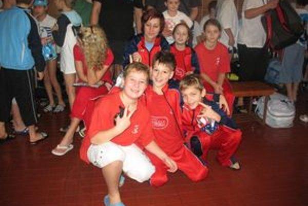 Skupina plavcov MPK mala v Prešove dobrú náladu.