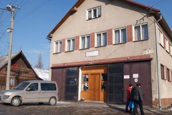 Pôvodná požiarna zbrojnica v Zákamennom sa nielen zmodernizuje, po novom sa bude volať hasičská stanica.