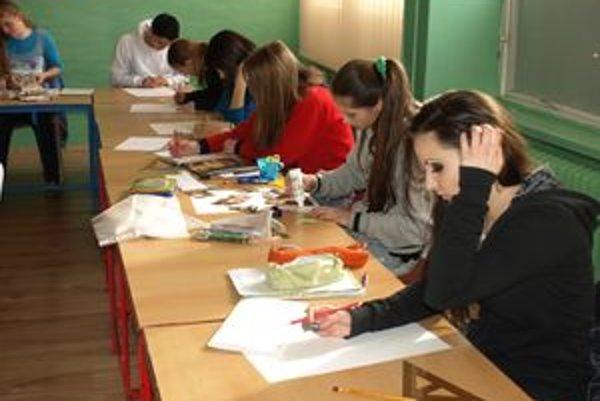 Koncom marca prebiehali na Spojenej škole v Nižnej talentové skúšky. Žiaci museli dokázať, že na vybrané umelecké odbory patria.