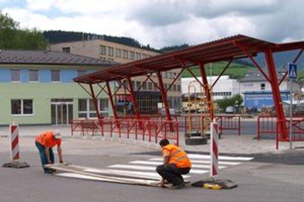 K novej autobusovej stanici povedú nové prechody pre chodcov.
