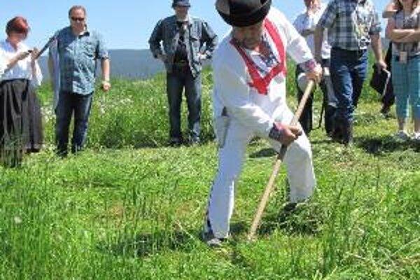 Najrýchlejší kosec. Žiadne prekvapenie, víťazstvo v najprestížnejšej kategórii mužov patrí aj tento rok Ľubomírovi Košútovi z Klina.