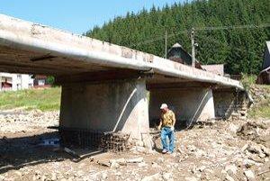 Rekonštrukcia mosta potrvá do septembra.
