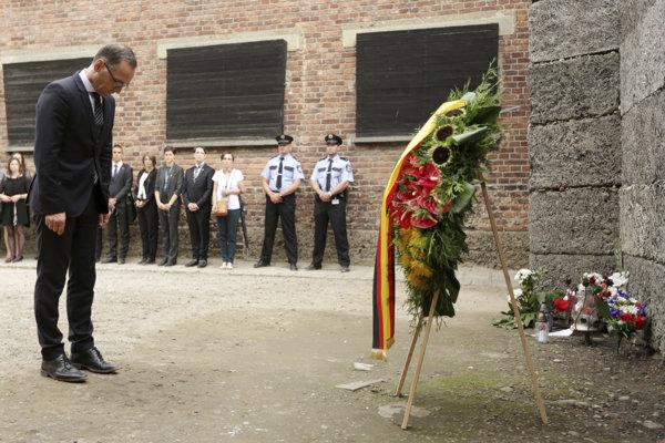 Šéf nemeckej diplomacie Heiko Maas na návšteve niekdajšieho vyhladzovacieho tábora Auschwitz-Birkenau.