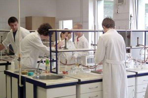 Chémia im učarovala, chcú ju študovať ďalej.