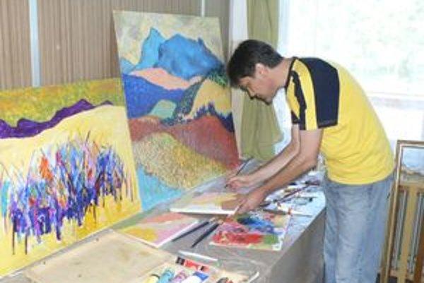 Ján Agarský prišiel tvoriť do Zázrivej na pozvanie umeleckej besedy. Žije v komunite prisťahovaných Slovákov v Srbsku. Ako prvý človek zo zahraničia sa stal členom Umeleckej besedy slovenskej.