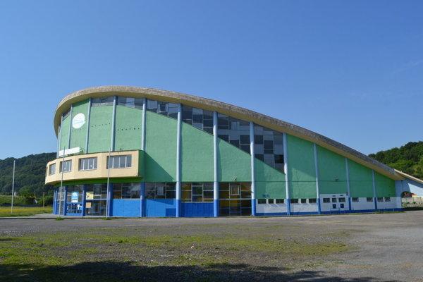 Zimný štadión v Prešove je v havarijnom stave, opravy sa ešte nezačali.