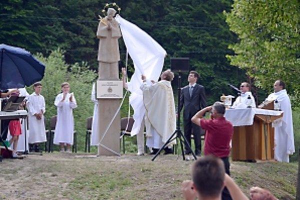V Pružine sochu požehnali  koncom júna.