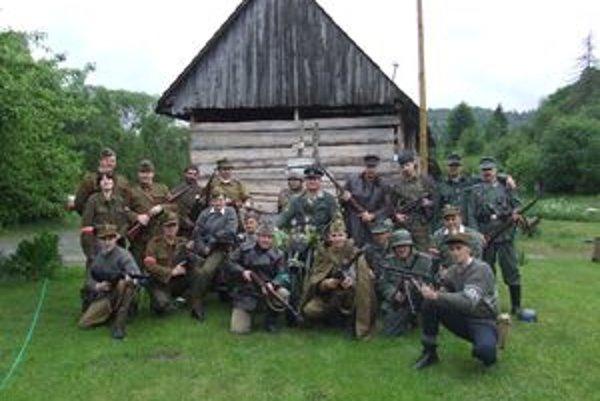 Klub vojenskej histórie Orava vznikol pred tromi rokmi a dnes má desať stálych členov.