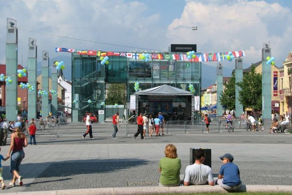 Časť programov, najmä tvorivé dielne pre deti a program pre deti, bude na Divadelnom námestí.