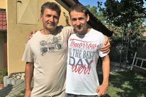 Marián Mikuš st. (vľavo) so svojím synom. Obaja zvíťazili nad rakovinou.