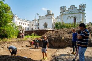 Archeologický prieskum v areáli NKP Rusovce.